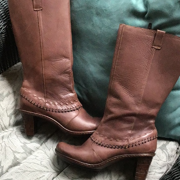 Gorgeous Tsonga Leather Boots Size